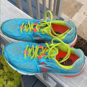 Brooks Revenna running shoes